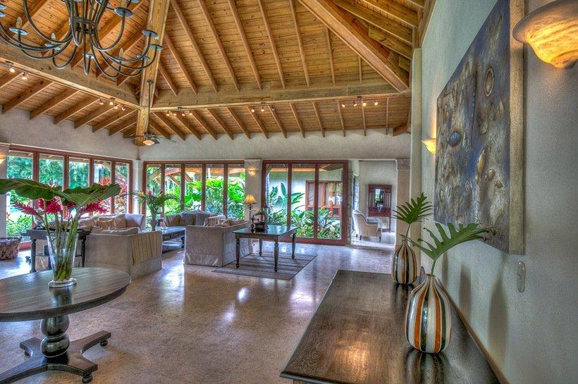 luxury caribbean beach house villa irina sea horse ranch. Black Bedroom Furniture Sets. Home Design Ideas