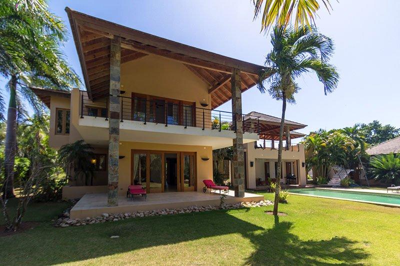 Villa Moderne. Fabulous Elegant Villas For Sale With Modern On The ...