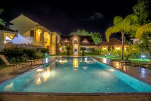 casa las brisas at night