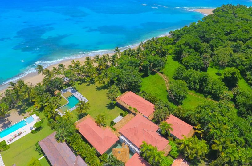 Casa La Bandera Caribbean Beachfront Villa 1