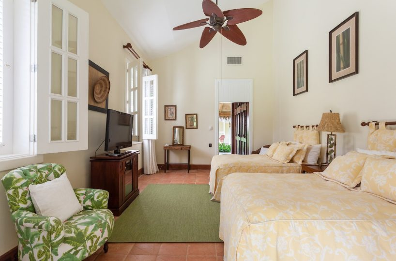 Casa La Bandera Caribbean Beachfront Villa 11