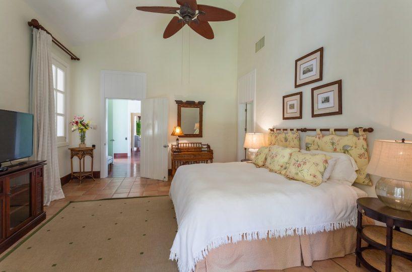 Casa La Bandera Caribbean Beachfront Villa 8